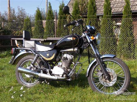 Motorrad Jawa 125 by Jawa Jawa Chopper 125 Moto Zombdrive
