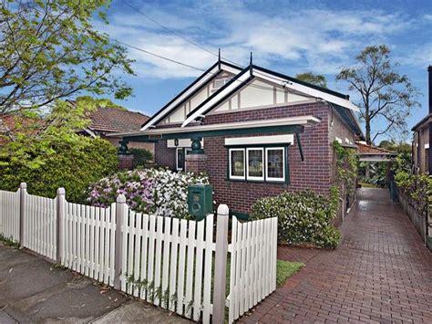 californian bungalow fences brick californian bungalow house exterior with picket
