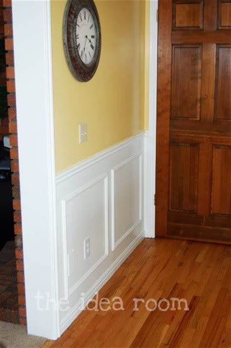 Faux Wainscoting Diy by 17 Best Ideas About Faux Wainscoting On