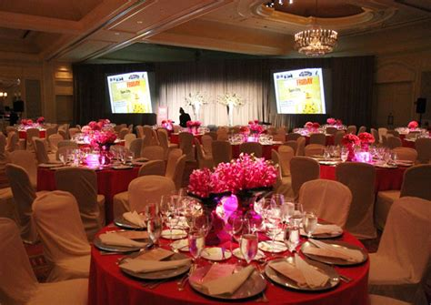 Pink And White Decor And Flowers Decorated The Ballroom