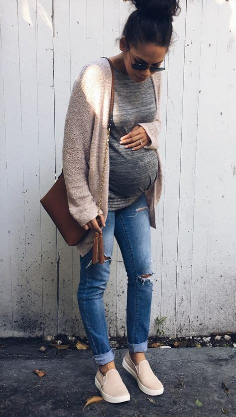Comfortable For Pregnancy by Best 25 Pregnancy Style Ideas On Fall Pregnancy Fall Maternity And