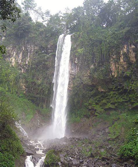 Villa Di Gunung Wayang air terjun grojogan sewu tawangmangu kaki gunung lawu