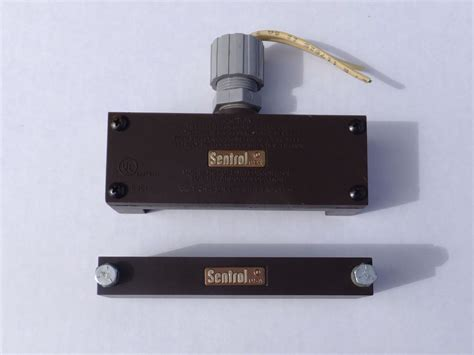 Sentrol 2847t Security System Magnetic Contacts Ebay Sentrol Overhead Door Contacts