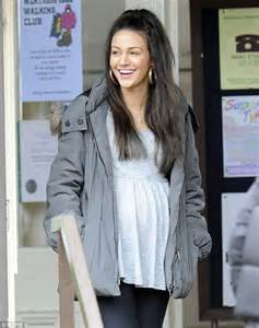 michelle keegan hairstyles half up half down michelle keegan shoots more coronation street scenes with