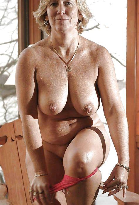 amateur Mature Pictures Curvy matures
