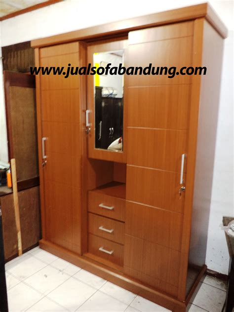 lemari pakaian minimalis harga murah sofa minimalis kursi