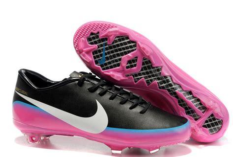 Sepatu Futsal Berapa sepatufutsalbaru bergaya dengan sepatu futsal sepatu bola