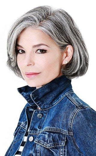 shag haircut brown hair with lavender grey streaks grey is the new black 30 frisuren f 252 r graue haare graue