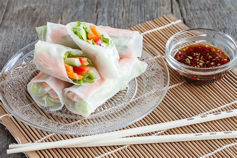 How To Make Rice Paper Rolls - vegetarian rice paper rolls ohmydish