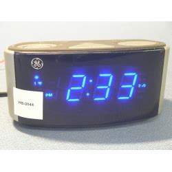 ge dual alarm clock with radio buzz snooze sleep allsold ca buy sell used office