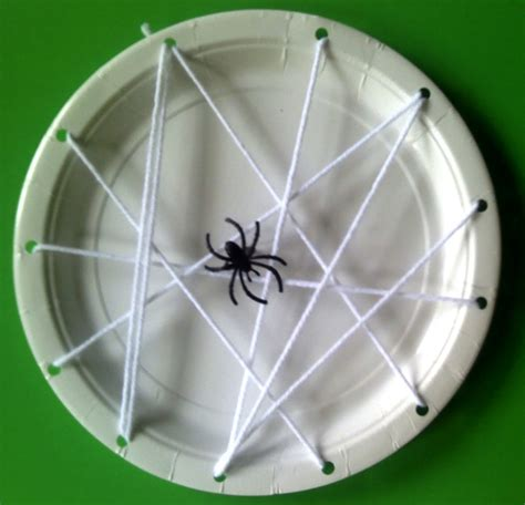 Paper Plate Spider Craft - fall crafts for preschoolers including crafts