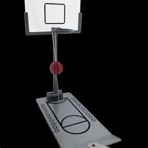 mini panier de basket de bureau cadeaux 2 ouf id 233 es de cadeaux insolites et originaux