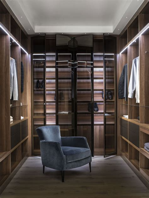 Walk In Wardrobes Designs by Neatsmith