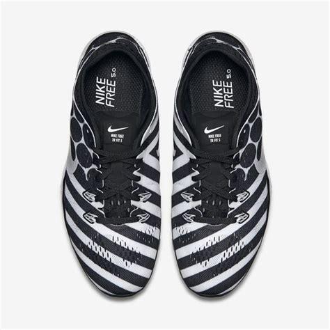 nike shoes black and white polka dot and stripes traffic