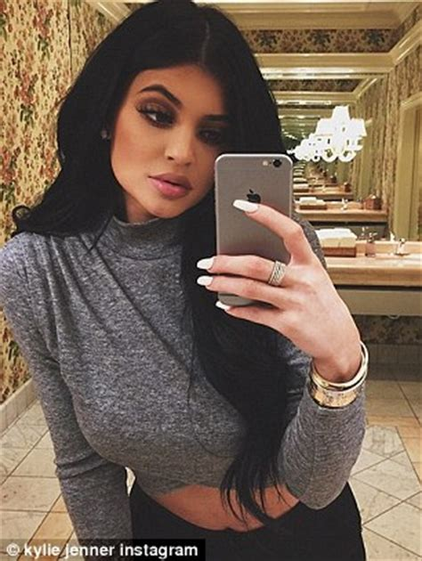 does kris jenner have a long neck for short hair kylie jenner announces plans to quit instagram when she