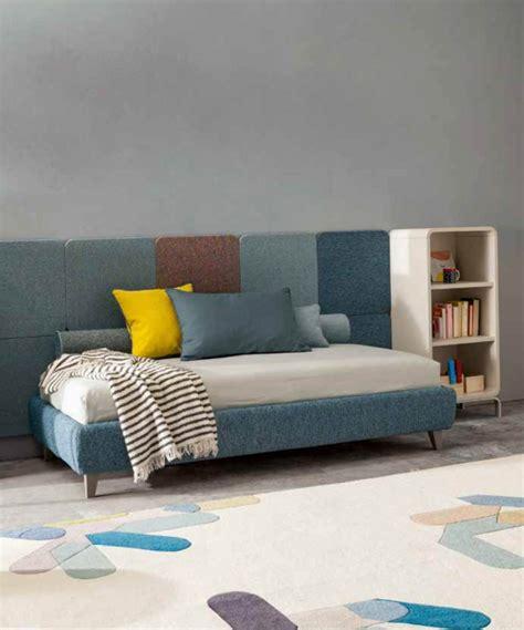 divanetti letto letti imbottiti singoli e divanetti per cameretta