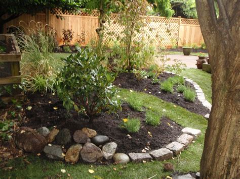 landscaping plans for backyard garden design
