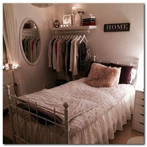 organizing small bedroom best 25 small bedroom organization ideas on pinterest