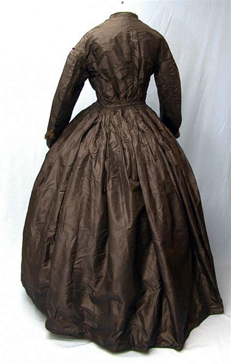century mourning clothing