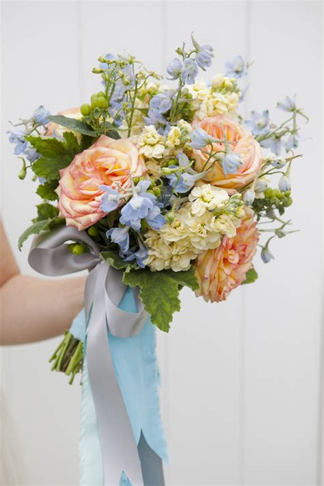 bouquet blueprint diy wedding bouquet with long ribbons