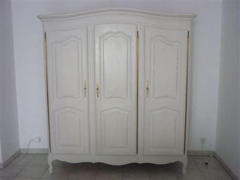 peindre une armoire ancienne peindre une armoire ancienne newsindo co
