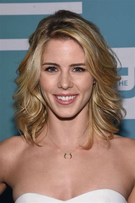 emily bett ricksrds emily bett rickards the cw network s 2015 upfront in new