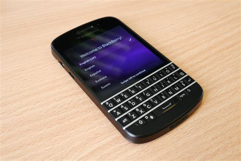 bb q10 blackberry q10 e blackberry 9720 in offerta su orange