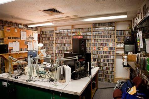 best rock radio stations these 20 college radio stations rock best college reviews