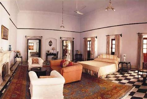 saif ali khan bedroom in pictures saif ali khan kareena kapoor s 800 crores
