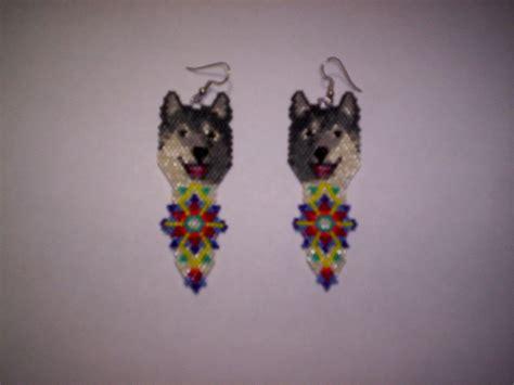 beaded wolf earring pattern brick stitch wolf delica seed bead dangle earring pattern