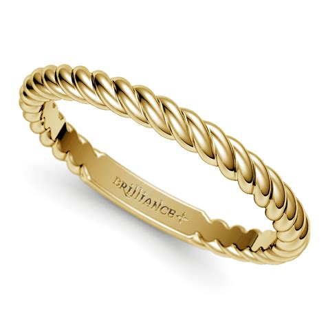 twisted rope wedding ring in yellow gold