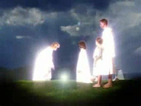 imagenes de dios viendo la tierra la venida de dios a la tierra youtube