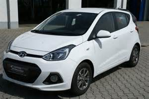 car picker white hyundai i10