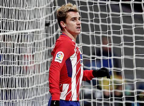 ousmane dembele knee injury barcelona news ousmane dembele would be happy with