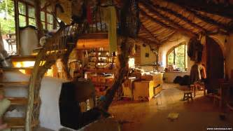 real hobbit house pictures look inside a real life hobbit house cbbc newsround
