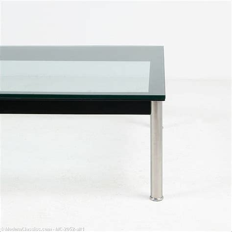 le corbusier side table le corbusier corbu side table modernclassics com