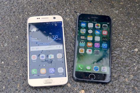 iphone 7 batte galaxy s7 lo smartphone della mela resiste meglio all acqua
