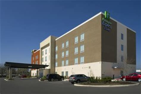 hotel ls with outlets in base inn express hotel suites braunfels tx
