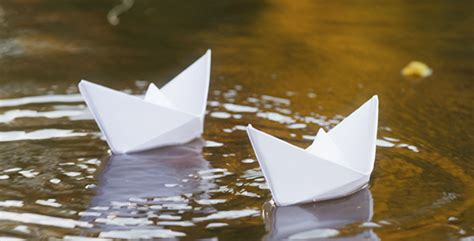 how to make a paper boat that never sinks 10 childhood memories we miss the most instagram lamb py