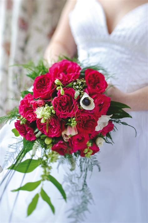 design your flower bouquet wedding wednesday wedding roses book from david austin