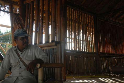 Kursi Bambu Di Banyuwangi banyuwangi merdeka rasuki seniman instalasi bambu