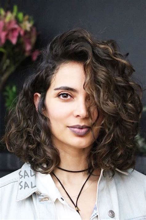 Wavy Bob Hairstyle by Best 25 Curly Bob Ideas On Curly
