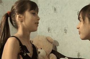 【】女の子どうしのキスはエロいンゴねぇ〜 妹はvipper