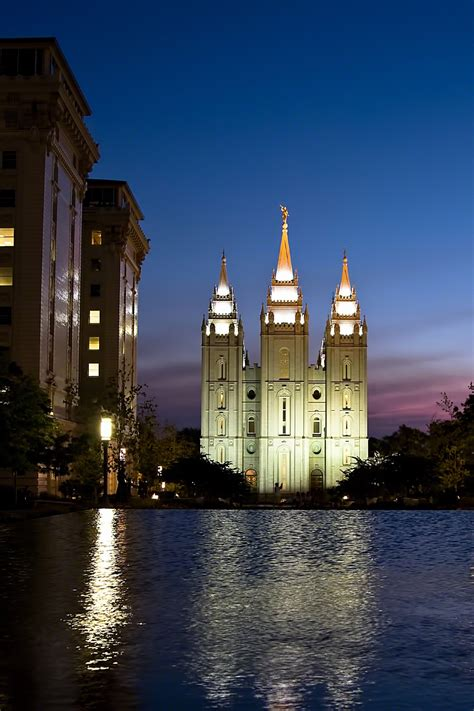 salt lake temple in the evening