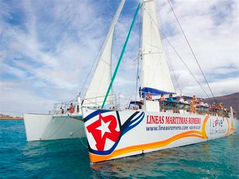 catamaran costa teguise catamaran i love la graciosa lanzarote excursiones