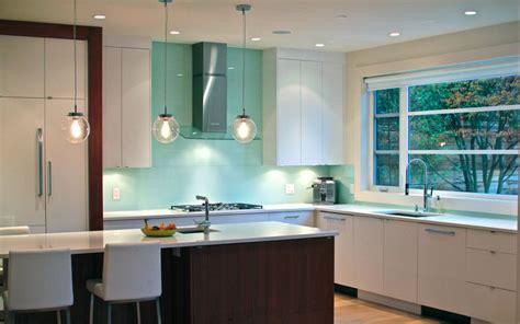 top backsplash trends for 2016 karry home solutions solid glass backsplash new kitchen pinterest glasses