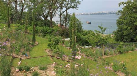 Amenager Pente Jardin by Am 233 Nagement D Un Jardin En Pente C 244 T 233 Maison
