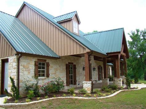 Texas Farmhouse Plans fachadas con techos de chapa