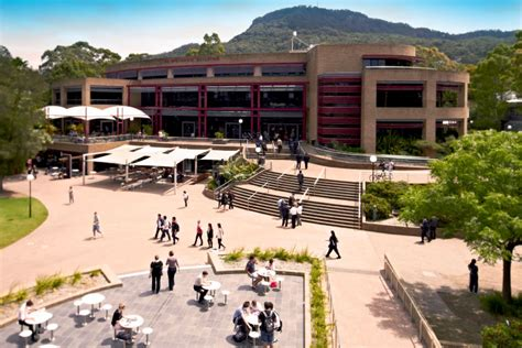 Sydney Business School Of Wollongong Mba by Wollongong About Us Uow