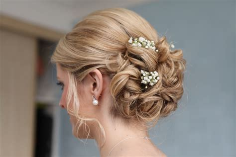 Wedding Hairstyles With Gypsophila by I Want Flowers In My Hair Wondrous Flowers